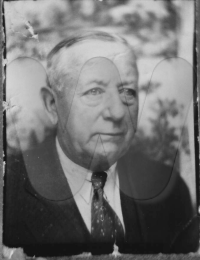 Andrew Peters ABT 1943