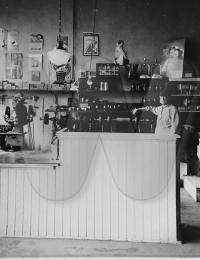 "Shoe Shop in Twin Falls with Cornelis ""CJ"" Peters"